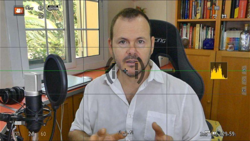 Imagen HDMI con datos en pantalla